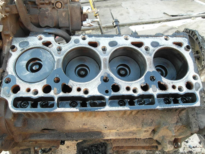 отличие двигатель ford 4ав