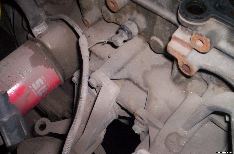 Форд транзит где находится датчик давления масла на 192