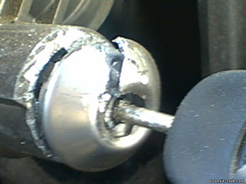 Показать в картинках как снять замок зажигания на форд транзит личинку ф фото 337-172